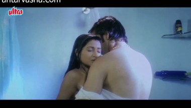 Hot bathroom scene from a bollywood movie