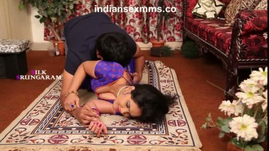 Sexy Bhabhi Seducing her Lover at Home Bgrade Sex