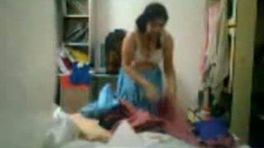 Desi Bhabhi Changing Dress Captured