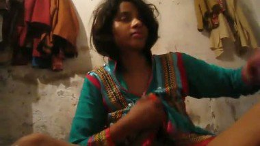 Sex pussy of virgin teen girl Juhi
