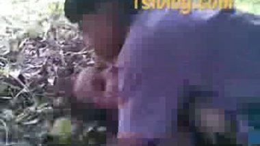 Bangladeshi village girl outdoor fucked by friends mms