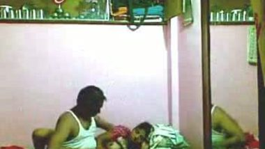 Indian house owner fucked his maid