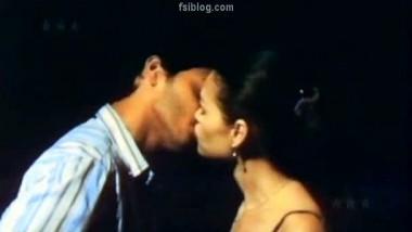 Shreyas Talpade Smooch Lina – FSIBlog.com