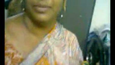 Desi aunty teases her secret lover