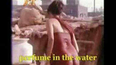 Tamil Nude Bath Video