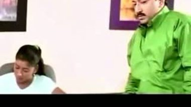 Hot Mallu Aunty ACTRESS Feeling Hot With Her Boyfriend –