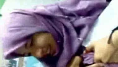 Indian Pakistani Hijab Girl Boobs Show