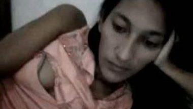 Desi hot college girl Avantika on cam