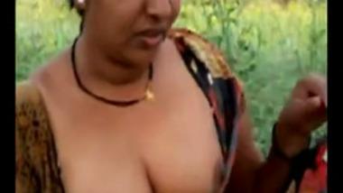 Mallu Village aunty outdoor sex with lover