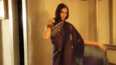 Beautiful Indian Dances Nude For Pleasure