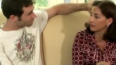 Horny stud plays with his gorgeous brunette stepmom