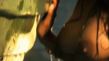 sexy indian nipple show