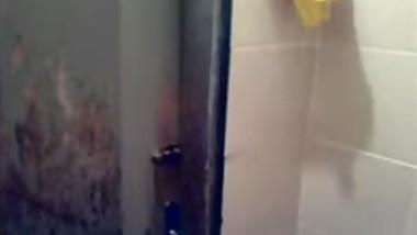 sindhi girlfriend self recorded bath selfie