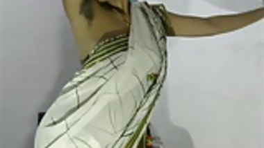 Desi Bhabhi in Saree Hot Camera Show