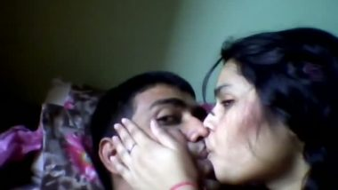 Village home sex leaked video of desi housewife