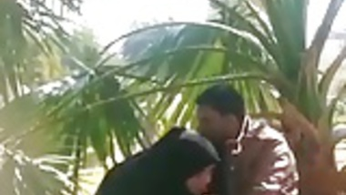 Pakistani hijabi BJ and hand job until cum in public park