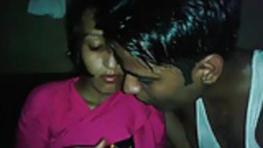 Desi Colg Teen Chocolaty Kiss n Boob show