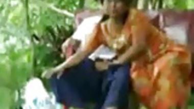 Daring Desi Aunty Sucks and Fucks Outside on Park Bench