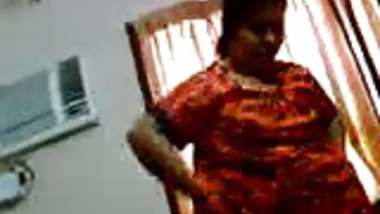 Aunty Changing dress