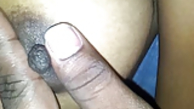 Indian whore gets her tit pinched by boyfriend