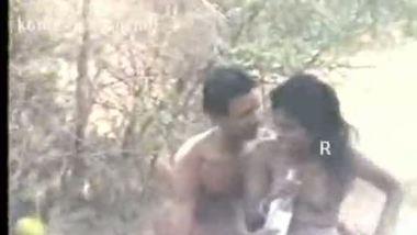 Tamil village bhabhi outdoor pornsex clip