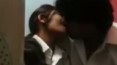 Free Indian porn videos teen girl with lover