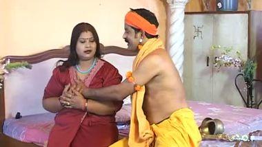 Desi big boobs BBW aunty home sex with babaji