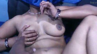 Mallu horny aunty exposing her nude figure