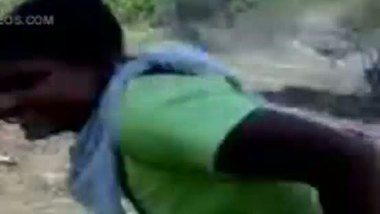 Desi maid's outdoor sex with her lover