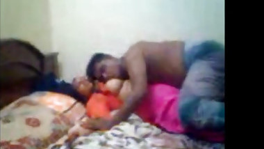 Chubby Desi woman gets exploited on camera