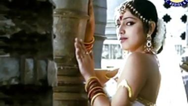 Indian Actress Haripriya Dance