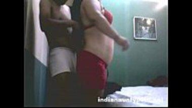 Desi randi banged by a virgin college guy