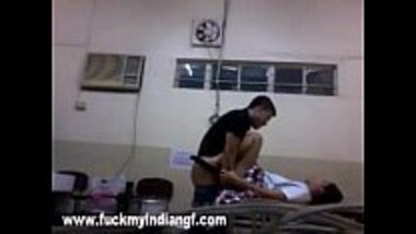 Sexy school girl from Delhi banged in Chemistry lab