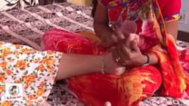 Indian lesbos sex after their husbands abandons them
