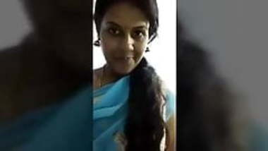 Tamil married girl showing her boobs with audio