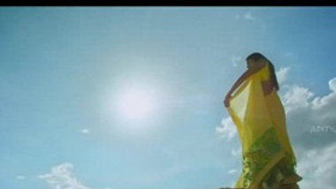 NAVEL - Srimanthudaa Full Video Song Naa Love Story Video Son