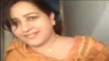 Punjabi Aunty Showing Big Boobs And Sucking Dick