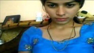 Twenty Years Old Indian School Girl Showing Boobs On Webcam