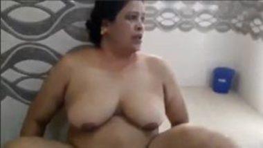 Real nude bath asian