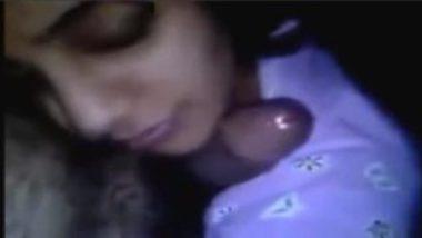 Hot Pakistani Teen Secret Blowjob To College Classmate
