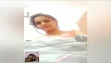 Married indian bhabhi showing big boobs